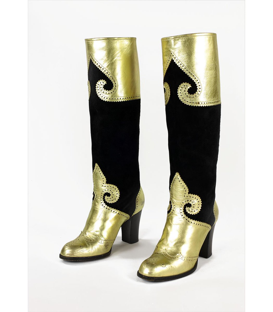 "Iconic designer #YvesSaintLaurent was #bornonthisday in 1936. These YSL 1970s boots were described in American Vogue as  ""Done the way only Yves would do them...they touch the leg instead of hugging it. In leathers that fall against you instead of clinging"".<br>http://pic.twitter.com/q8z2J4CgGI"
