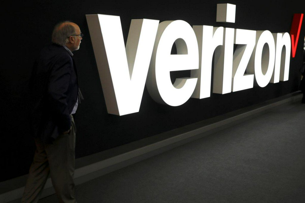 Verizon beats profit estimates as monthly phone subscribers jump