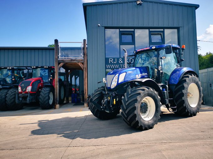 RJ and KD McLean Ltd – Tractors and Plant