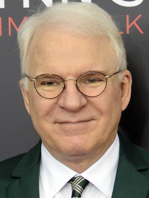 Happy Birthday Steve Martin! Here he is looking extra dapper with his glasses!