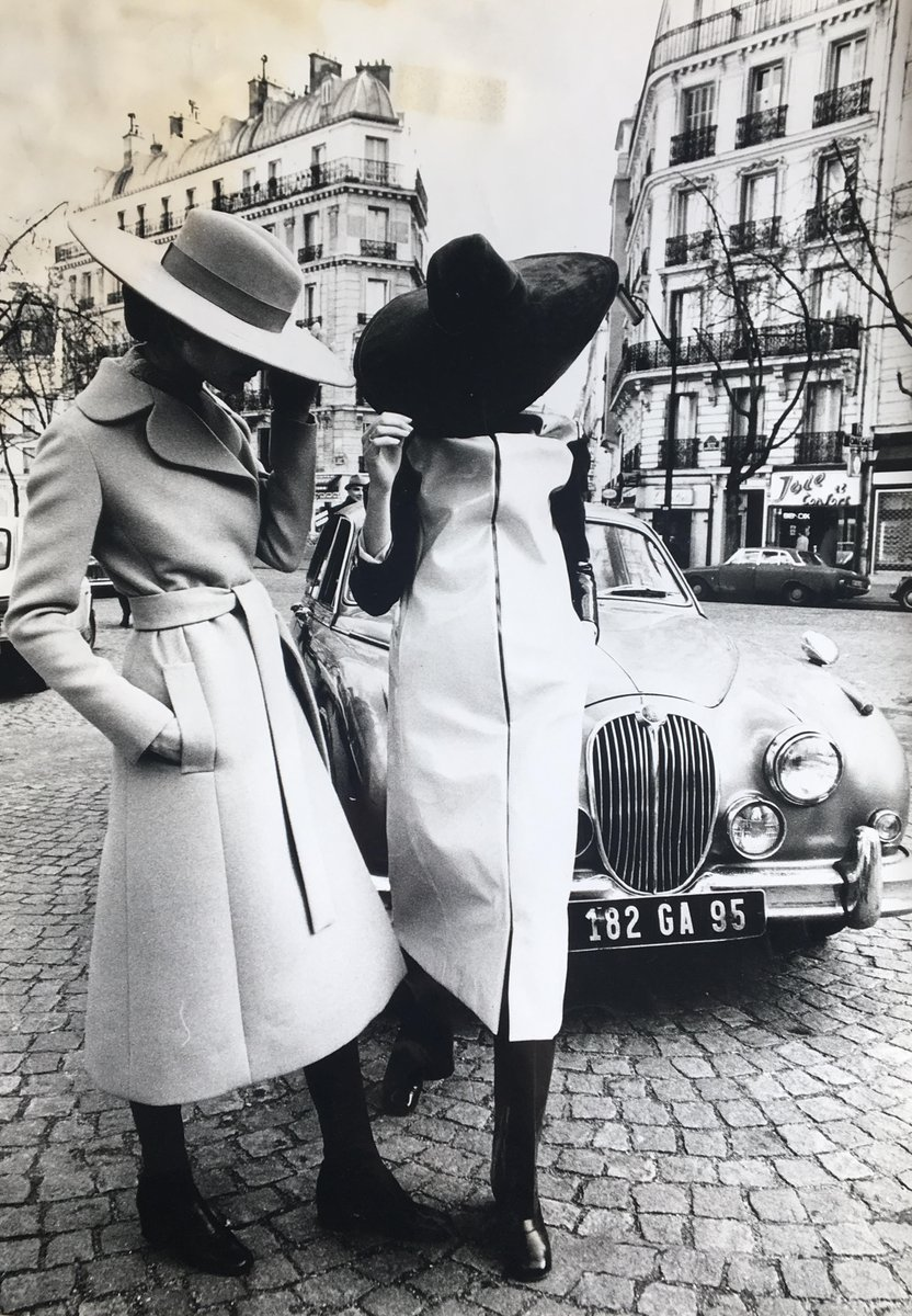 Parsons AAS Fashion Design & @ParsonsParis alum Rachel Fenderson is organizing an exhibition celebrating the life of fashion designer and native New Yorker, Jay Jaxon. Catch it at @QPLNYC now through August 31! https://t.co/HoM1klwRKP