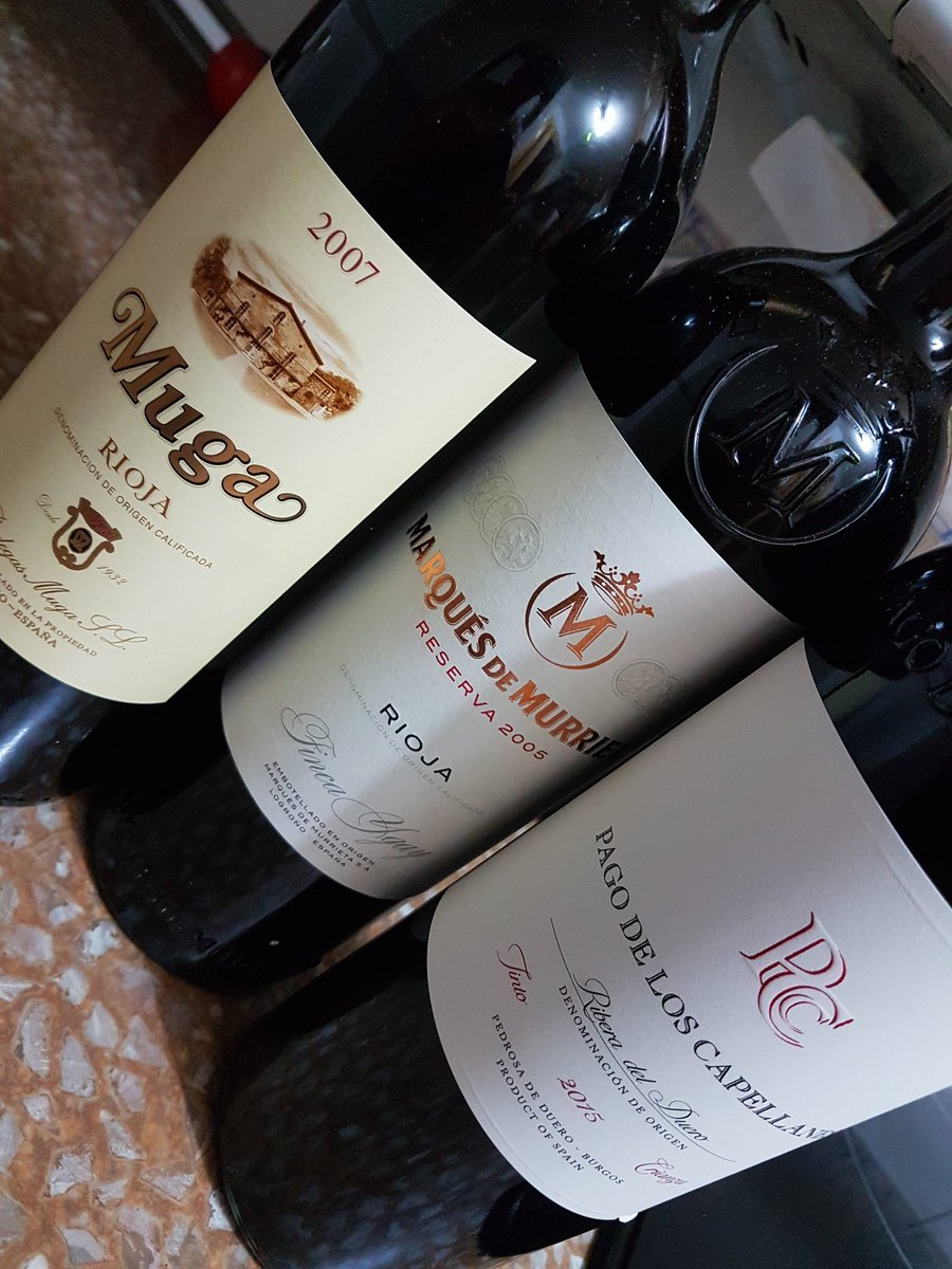 Detalles que te alegran el día.... #regalazo #comomevoyaponer #vino #vine #yestosoloesunamuestra