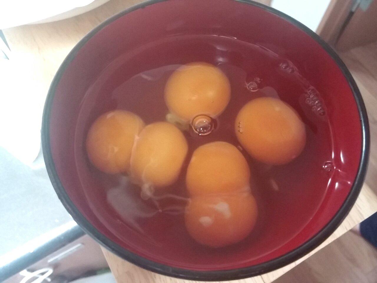 #誰も羨ましがってくれない自慢 めっちゃ双子が出る卵パックに当たったことがある