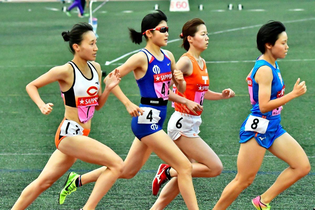 女子1500m  高橋優菜(順大)  この大会で自己ベストをマーク。 関カレではサンショーで2位に入り、茄子紺の成長株として期待値も高い。 個人的には秋以降本当に楽しみな選手。   #トワイライトゲームス https://t.co/wqmePMC2ph