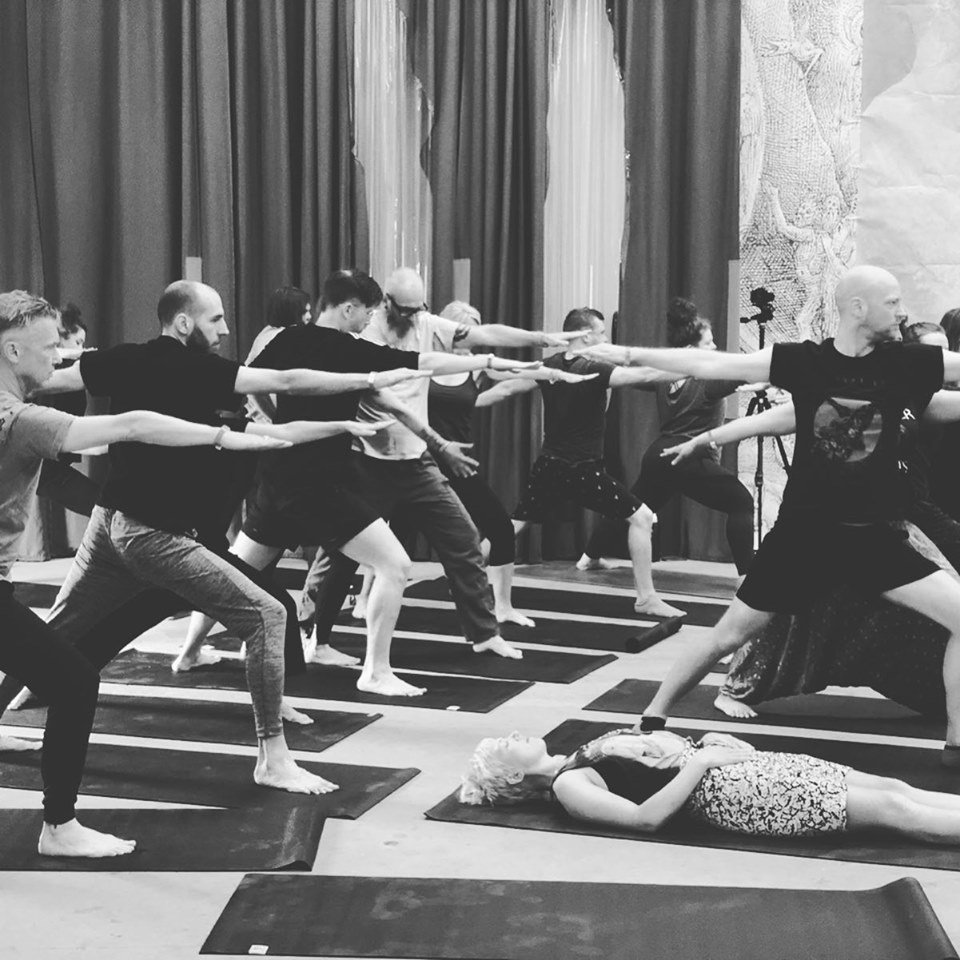 Join us for a #DOOMyoga class - bringing together music and movement to create a deeply connecting and immersive meditation - from 11am-12pm tomorrow.  £5 adv. tickets available via Dice or on the door at @SPACEstudios (but please ensure to arrive early).  http://facebook.com/events/674313776374834/…pic.twitter.com/WYT8s61OET