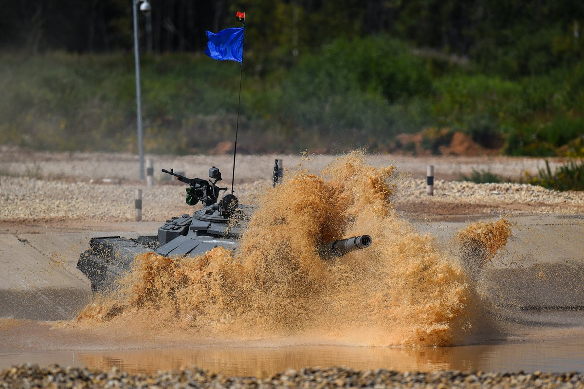 семи гиф танковый биатлон стал после гибели