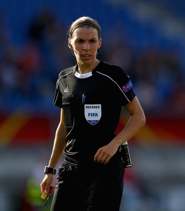 Congratulations to the French referee Stephanie Frappart who will become the first female referee of a major men's UEFA match! She will referee the Super Cup (Liverpool Vs. Chelsea) on August 14th. Good luck to her and to Liverpool!   @LFC @LFCBahrain #LFC #YNWA https://t.co/ufKBZWttZJ