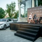 About last night 🤩  @ValtteriBottas and the Mercedes-Benz EQC in the heart of beautiful Budapest! #MercedesBenzHU #SwitchToEQ  [Mercedes-Benz EQC 400 4MATIC | Stromverbrauch kombiniert: 20,8–19,7 kWh/100 km | CO₂-Emissionen kombiniert: 0 g/km | https://t.co/dNGxg6B8pN]