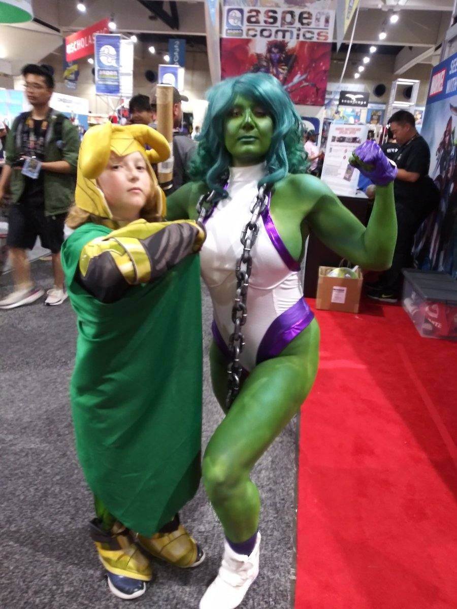 #MarvelSDCC #SheHulk is able to tame the ways of #Loki for a short time..