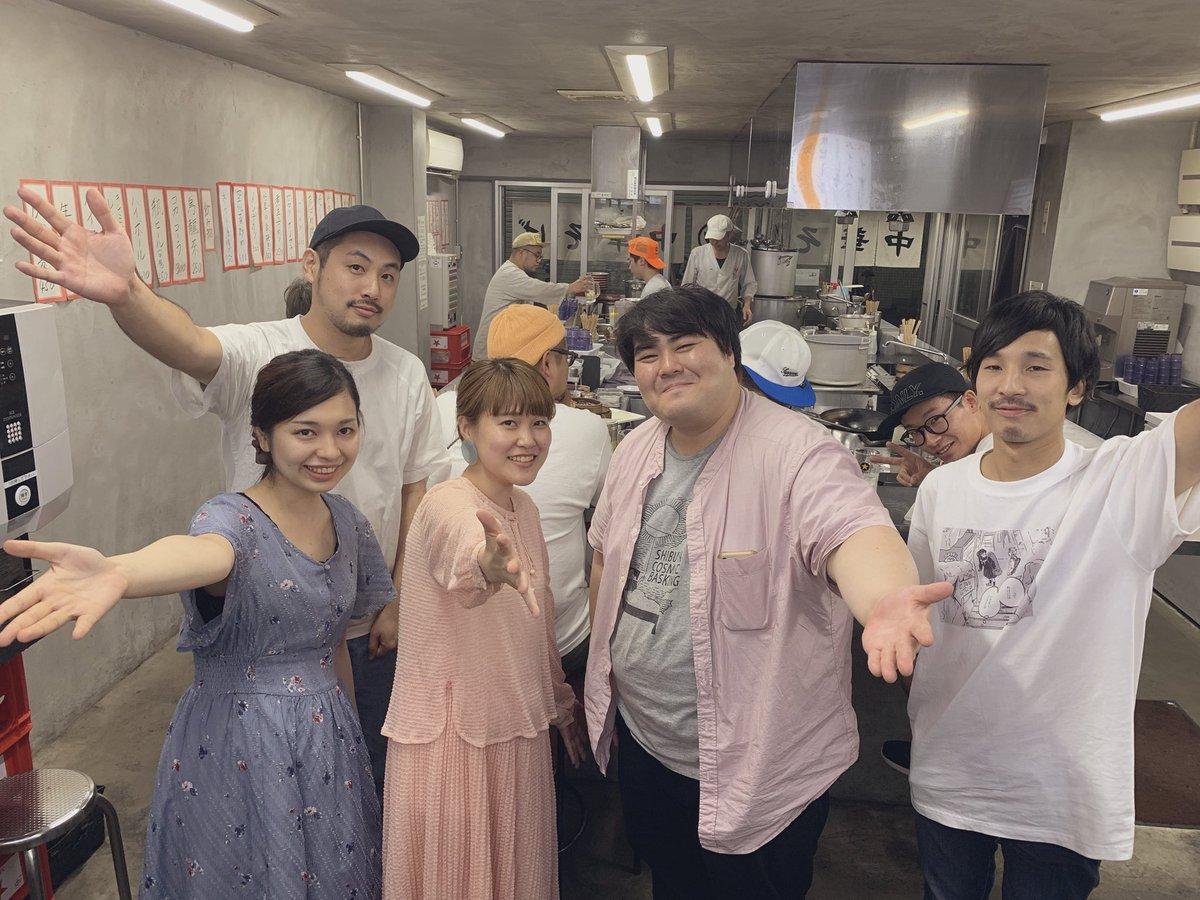 今日の福山でのライブもサイコ〜〜だったー!! 福山は岡山の隣の街だから、お客さんも岡山の人も多くて、謎の地元感あったな🌷 澤部さんのライブ、1人とは思えないパワフルさで名曲揃いで、とても素敵だった。。👀✨ この写真、全く似てないけど 「嵐」っぽい気がしてる😉 https://t.co/GjfeFqymT8