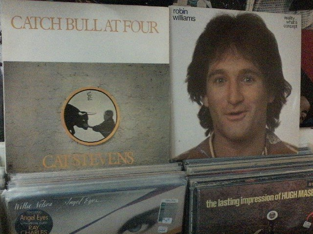 Happy Birthday to Cat Stevens & the late Robin Williams