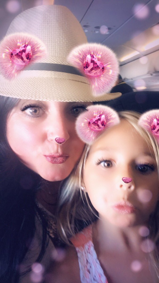 Are you even a 1st gr teacher if you don't make friends w/your 5 yo neighbor & have her & the 4 yo in front of her singing the ABCs?!? You're welcome, Flight 233. You. Are. Welcome. 🛫🤷🏻‍♀️😂🛬 #teacher #relentless #nextlevelteaching #teacherlife #alldayeveryday #endeduponmylap