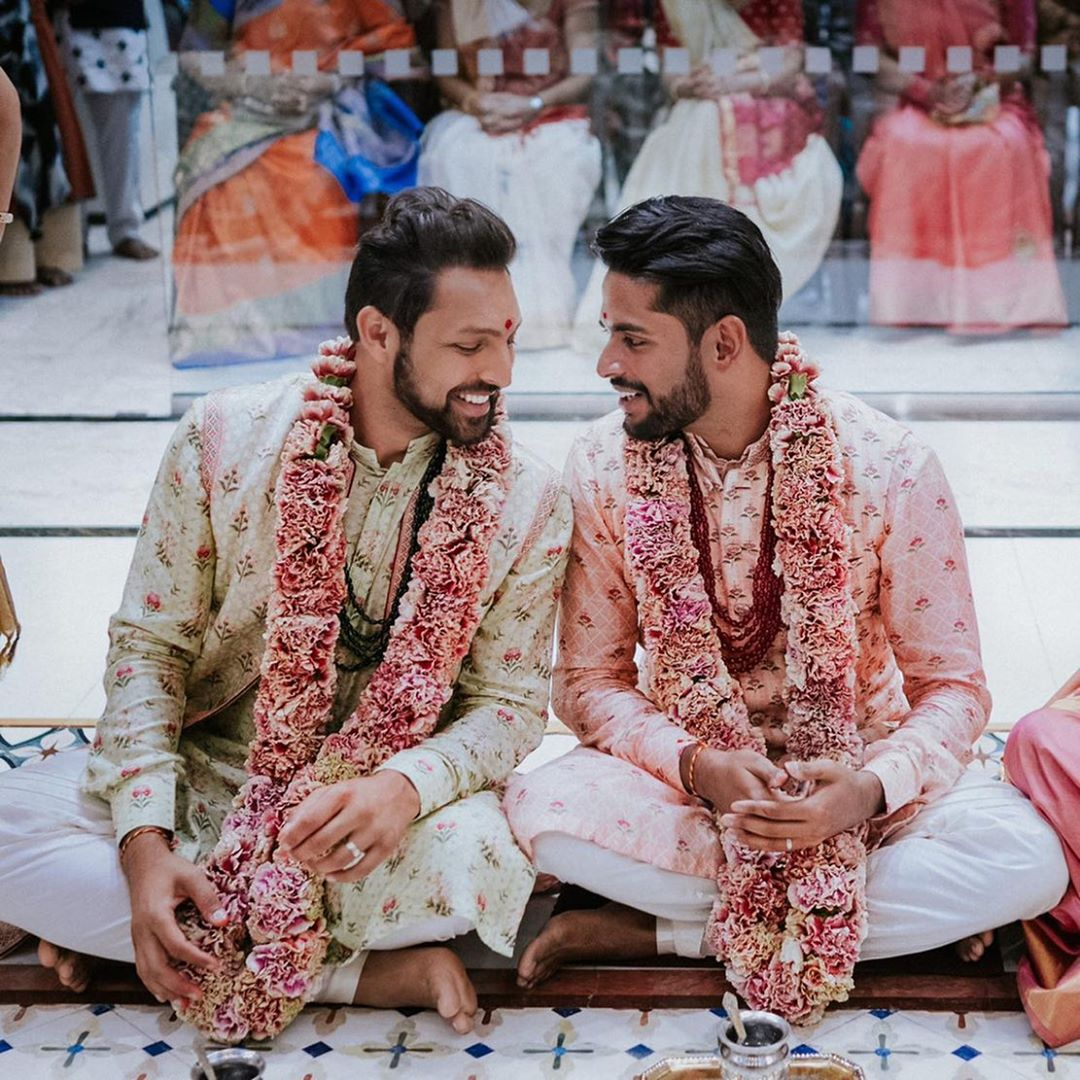 #Love has no boundaries and this #couple Proved it. The #Happiness on their faces are #priceless... ♥️  👗 : @anitadongre  #loveislove #LoveIsland #LoveStory #pridemonth #PrideGT #PRIDE #groom #anitadongre #outfitoftheday #ootdfashion #ootd #sherwani #outfitinspo #Flowers #loveit