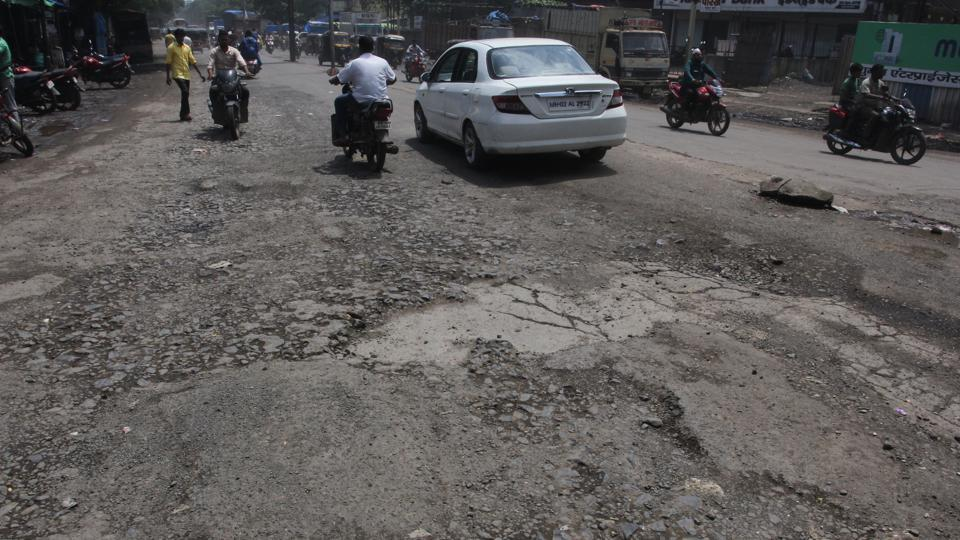 The 'magical pothole' that helped cops nab gangsters, reports @leenadhankhar  https://www.hindustantimes.com/gurugram/the-magical-pothole-that-helped-cops-nab-gangsters/story-78R7anHx7V85h4llchgz6N.html…