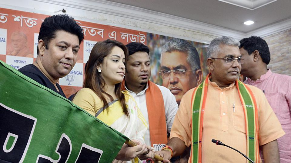 Bengali actress Rimjhim Mitra, two others join BJP  https://www.hindustantimes.com/india-news/bengali-actress-rimjhim-mitra-two-others-join-bjp/story-vAaNylC6b9lAhb0u4f2kIL.html…