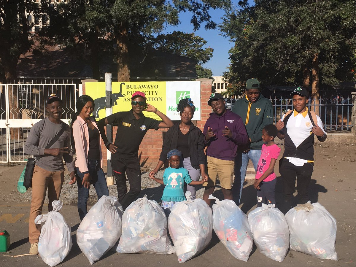 Sunday is Clean-up Day!! ♻️   Shout out to our invaluable volunteers for pulling through and helping #DIFTK #KeepBulawayoClean !!   You make Bulawayo great! 🙌🏾✨   We were glad to get another visit from our friends from @cbcbyo! 😄  #DIFTK #KeepBulawayoClean