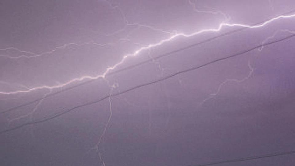 26 MGNREGA workers injured in lightning strike in Rajasthan  https://www.hindustantimes.com/india-news/26-mgnrega-workers-injured-in-lightning-strike-in-rajasthan/story-H0231vCN6YmGRpH292bFIL.html…