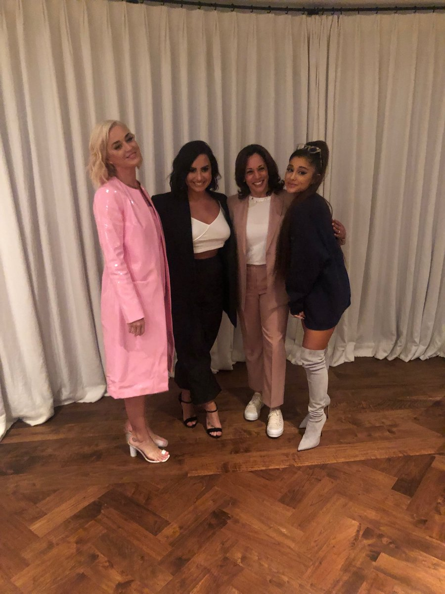 This is the dream team right there! Demi Lovato, Ariana Grande , and Katy Perry ALL IN ONE LOCATION! YASSSS!  <br>http://pic.twitter.com/x3qbIscQFL