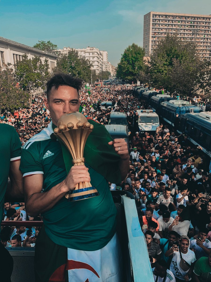 The streets are green for #LesFennecs    : @IsmaelBennacer   #TotalAFCON2019<br>http://pic.twitter.com/nOccO83YP9