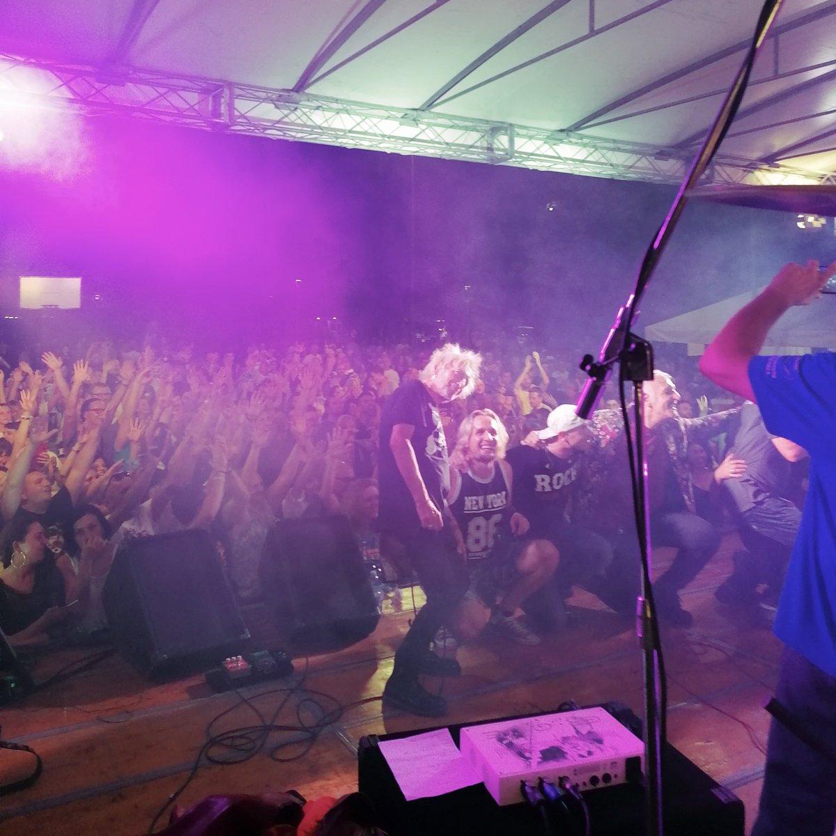 With the members of Vasco Rossi's band🙏🙏😍🎶🥁 #artistic  #guitar  #song  #musician  #band  #pop  #rockstar  #musicvideo  #songs  #musical  #festival  #group  #concert  #bands  #rocknroll  #rockband  #singer  #hardrock  #tagblender  #guitarist  #pianist  #musicals  #rockstars