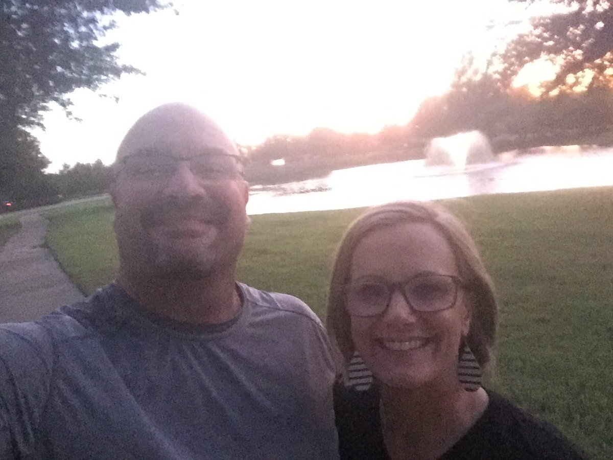 What a beautiful walk last night with @RNic_Wallis a beautiful lady and wife. #Peace #relaxation #funtimes