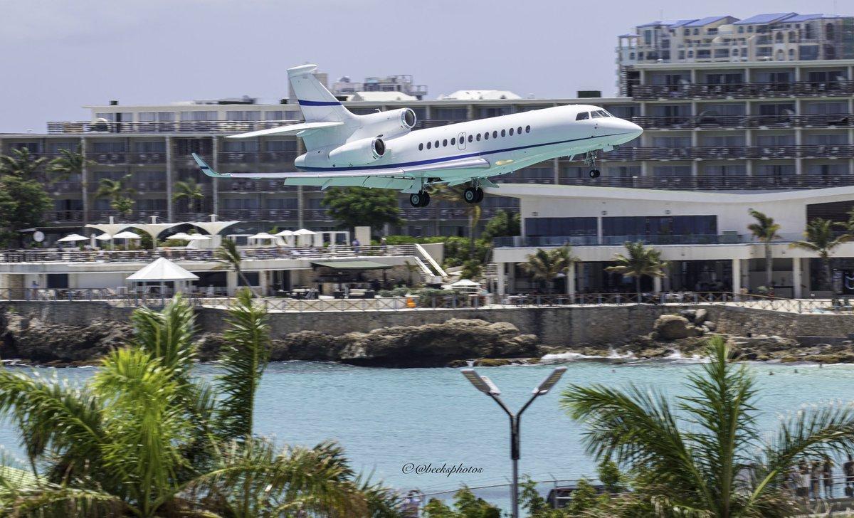 #BusinessJets @beeksphotos ® 7X arriving #SXM #〰〰〰〰〰〰〰〰〰〰〰〰〰 #Dassault #Falcon7X #〰〰〰〰〰〰〰〰〰〰〰〰〰 #instagramaviation  #megaplane #BusinessAviation #FlyPrivate #PrivateJet  #CharterJet #BizJet  #Flight #Luxury #Travel #EmptyLeg
