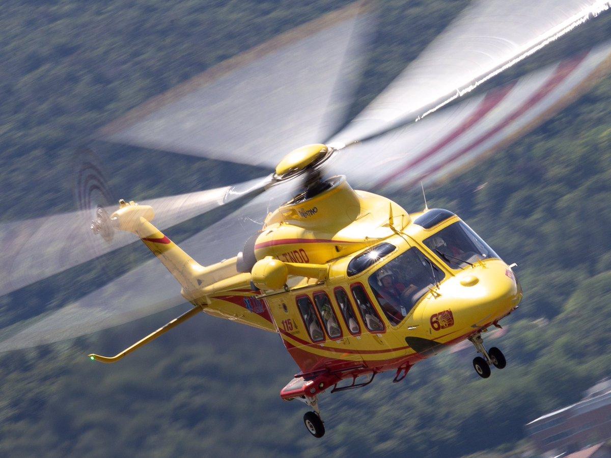 #vigilidelfuoco #rotorcraft  #elicottero #helicopterspotter #helicopter #soccorso #leonardohelicopters #photooftheday #aw139 #rescue #aviationphotography #avgeek #avgeekphoto #helicopterphotography #verticalmag #helihub #rotorhead #itndd #helicopterpilot #hems #elicottero #vvf