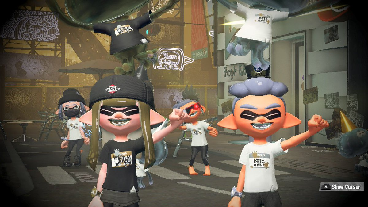 saw two happy squiddos during the fest! @AgentCH @nd_maxd #Splatoon2 #NintendoSwitch<br>http://pic.twitter.com/d29Ia1cTYq