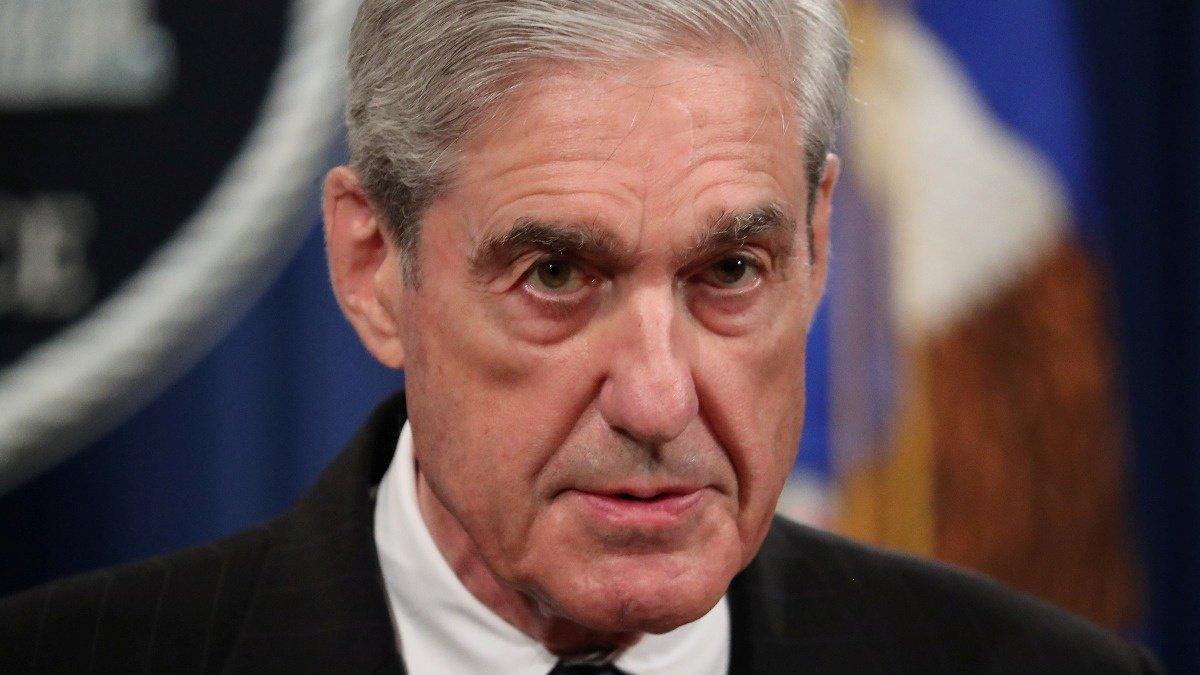 Top Democrat wants Mueller to bring report 'to life' https://reut.rs/2Y3safp