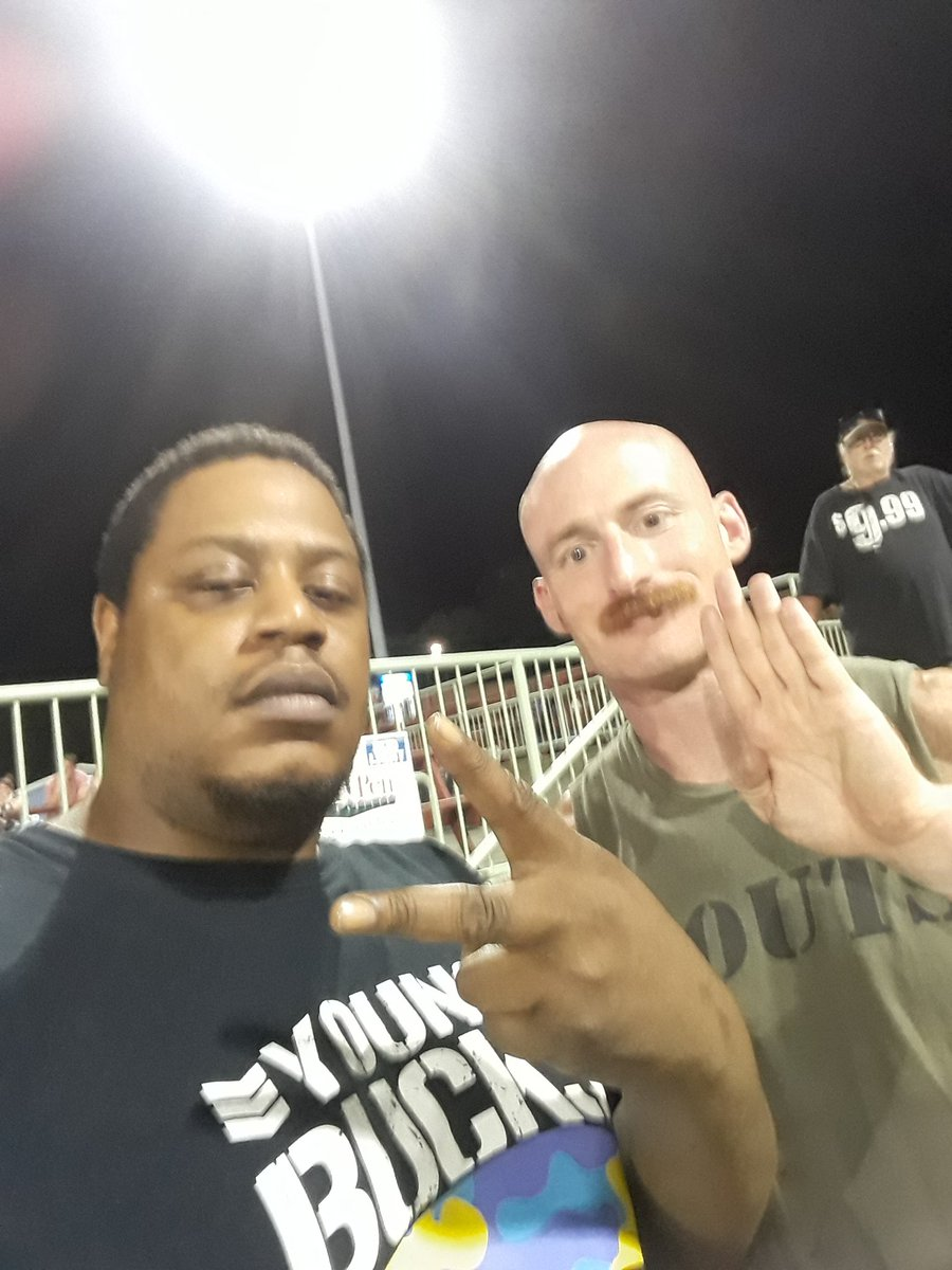Me and my guy @manscoutmanning such a cool dude book him literally EVERYWHERE #NEW #northeastwrestling #wrestlingunderthestars