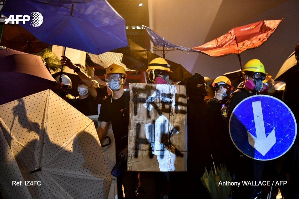Miles de personas volvieron a salir a la calle este domingo en Hong Kong, por séptimo fin de semana consecutivo, en el marco de una protesta que parece no tener fin contra el gobierno pro-Pekín de este territorio semiautónomo.
