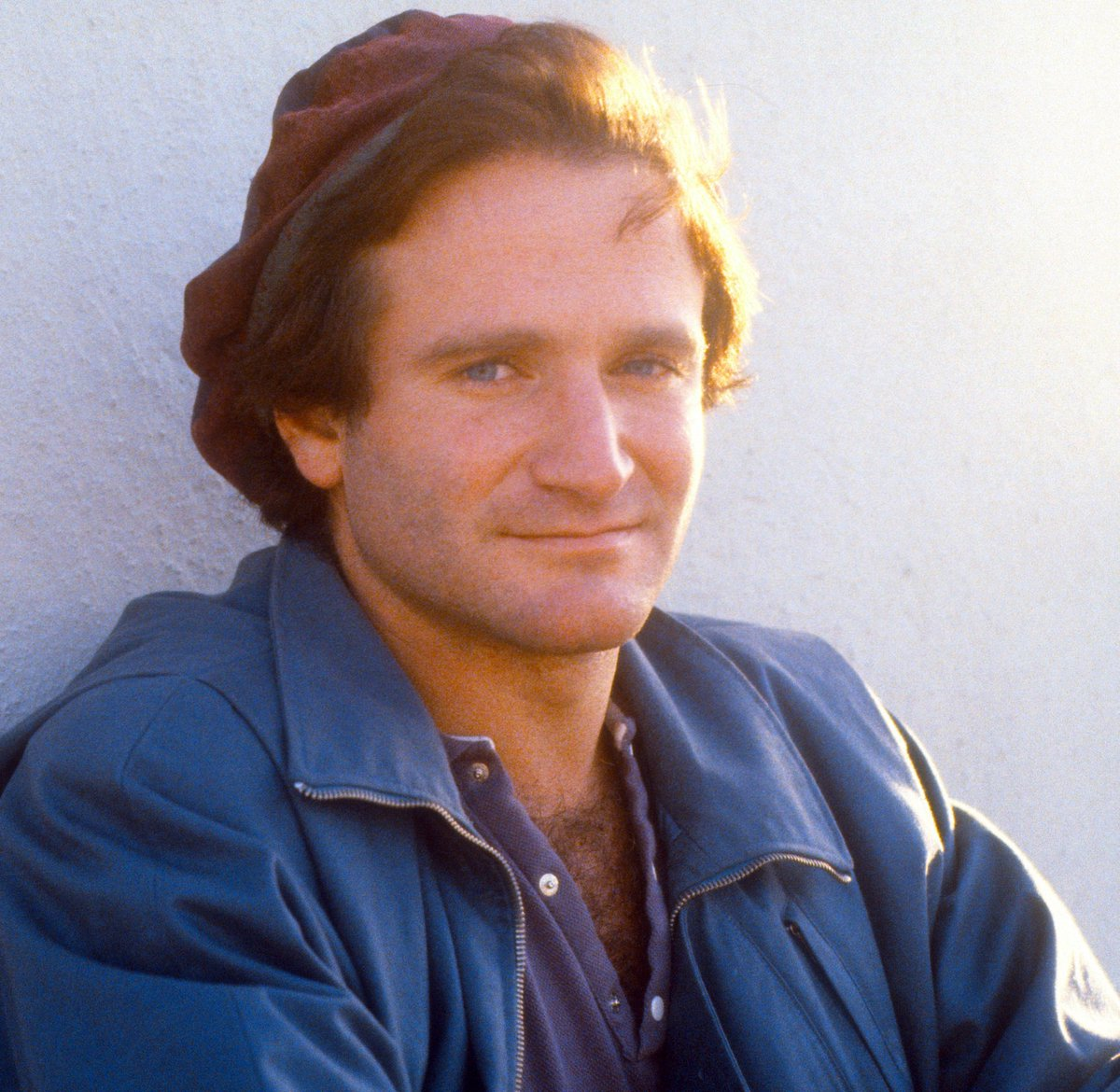 Actor/comic #RobinWilliams was #BornOnThisDay, July 21, 1951. He won 1 #AcademyAward, 2 #EmmyAwards, 6 #GoldenGlobe & 4 #GrammyAwards. Troubled by #depression, #anxiety, #paranoia & signs of #dementia, in 2014 he passed (age 63) of #suicide (hanging) #RIP #SuicideAwareness #help<br>http://pic.twitter.com/dv85z1HJ5b
