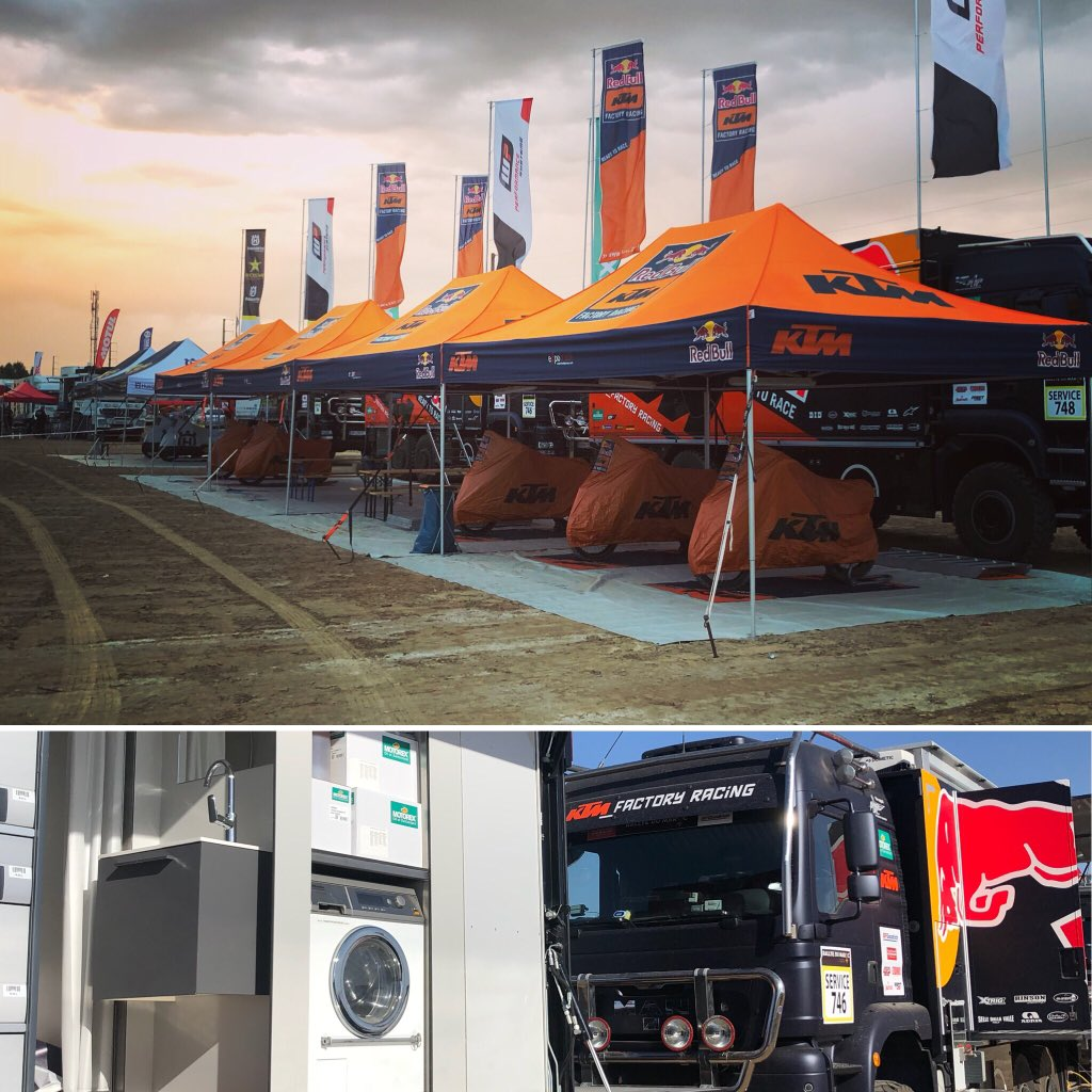 The now ever so slightly, very mildly infamous @sundersam 's race truck washing machine V's the privateer / MalleMoto version @rallyedumaroc 2018. Those trucks are awesome eh! #Dakar2020 <br>http://pic.twitter.com/37dvSQht8U