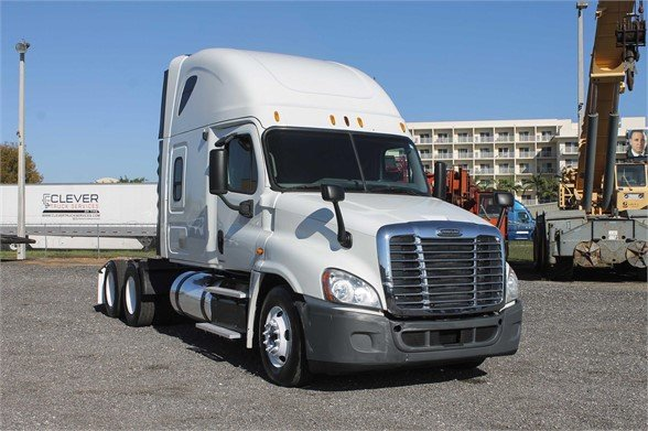 Check this 2012 $Freightliner #CASCADIA 125 #ERTruck&Equipment #ConventionalSleeper in #Miami #Florida http://ow.ly/YWgH30paT0a  #truckers #trucksales #trucksforsale