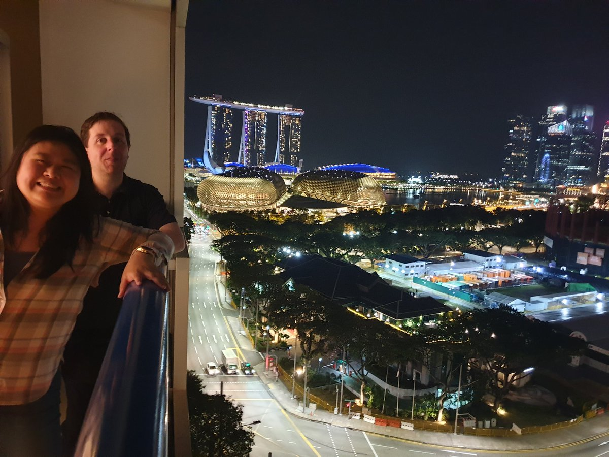 Wishing all you Lovelies a good night from Singapore with @Ocani  #happy #fantasticview #nightview #beautiful #stunning #sweetdreamspic.twitter.com/NyAVDbNCK2