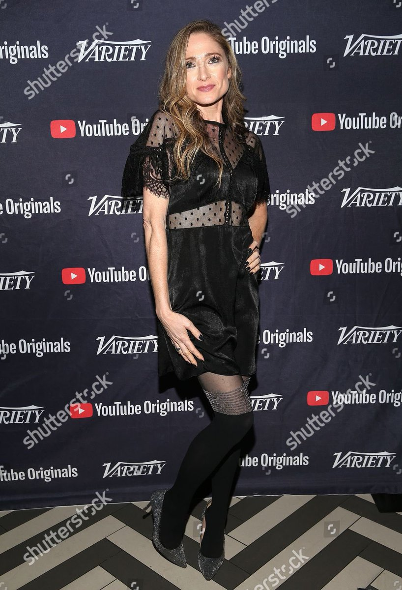 """I refuse to spell it """"lewks,"""" so here are some red carpet looks from #sdcc this year!<br>http://pic.twitter.com/b57jVPaSz8"""