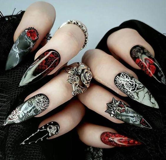 Amazing dark Gothic nail art @stylishbelles SOURCE✅ Tweet