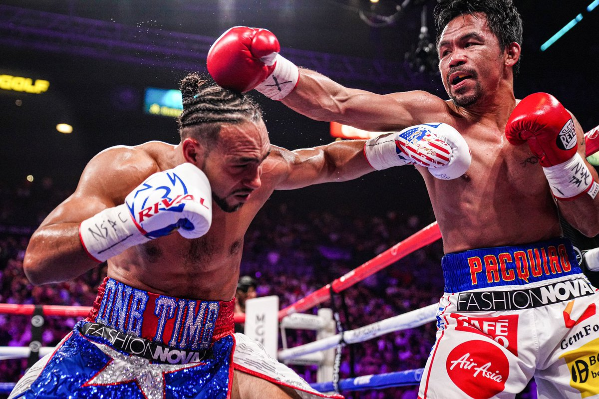 A closer  inside the trenches  #PacquiaoThurman <br>http://pic.twitter.com/Ik7cBhuHA7