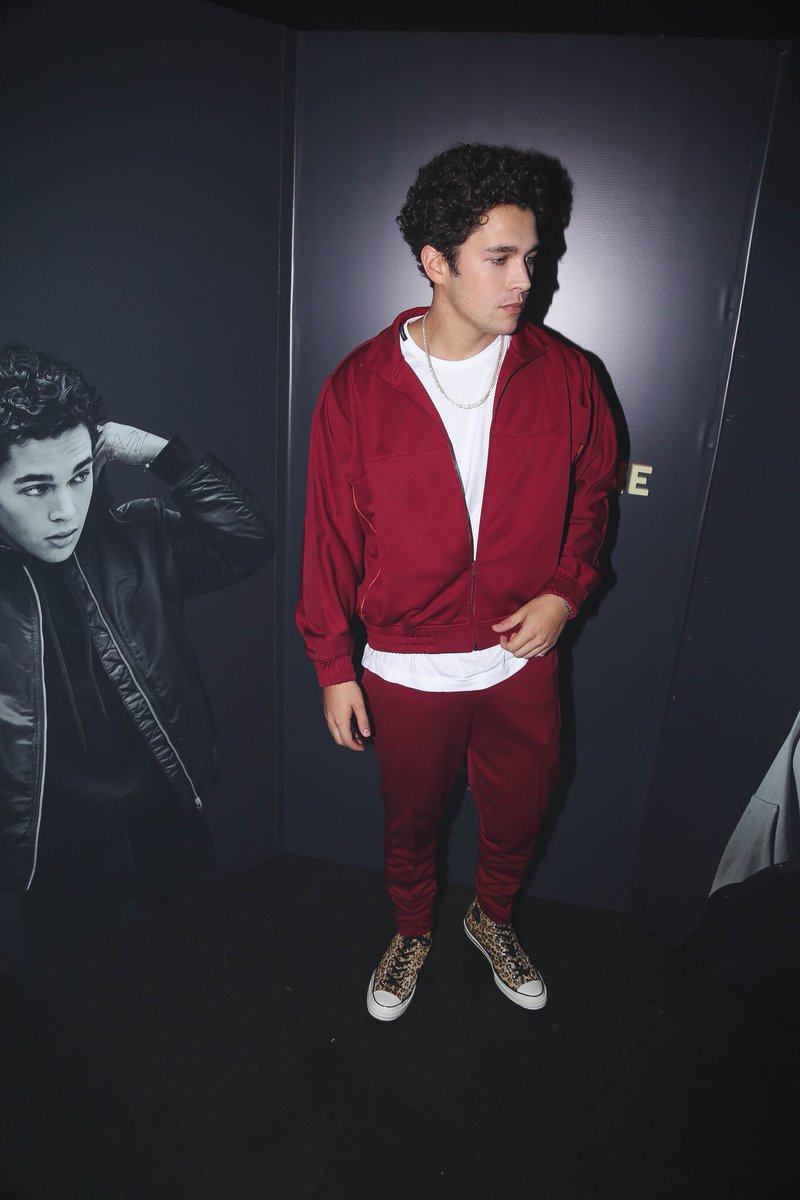 Austin backstage at his exclusive showcase in Argentina. <br>http://pic.twitter.com/n3UnhGPQih