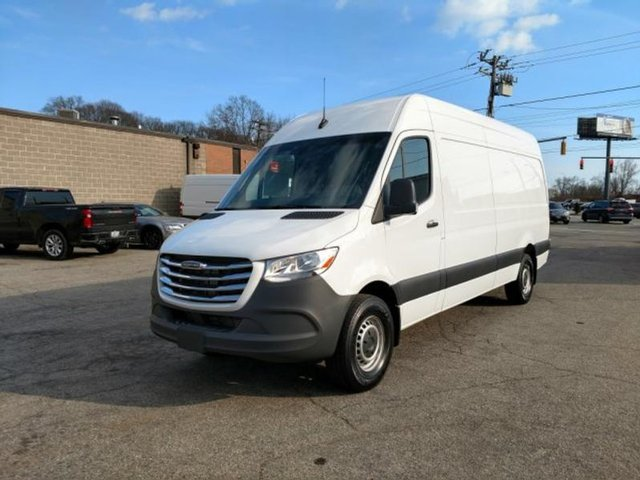 Check this 2019 #Freightliner #SPRINTER @RITruckCenter in #EastProvidence #RhodeIsland http://ow.ly/wDHW30paTa3  #truckers #trucksales #trucksforsale