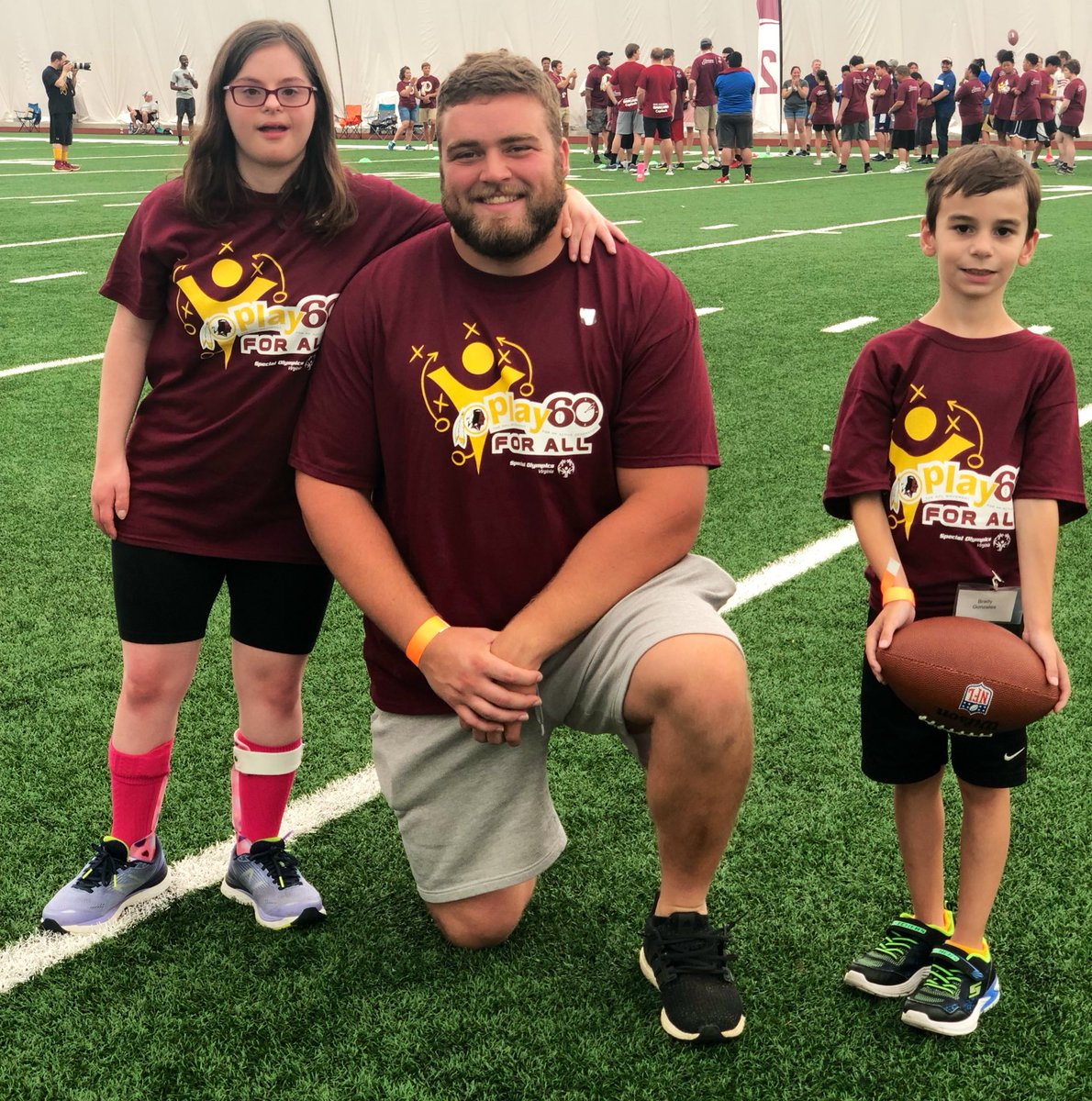 Today, we hosted more than 1️⃣0️⃣0️⃣ @SOlympicsVA & @DreamsforkidsDC athletes for a Football Clinic at Redskins Park 🏈 Special guests included #Redskins @DhaSickest, @WesleyMartin76, JP Holtz and Alumni @Ky3fOUR, Khary Campbell & Eddie Mason 💯 #RedskinsGiveBack #ChooseToInclude