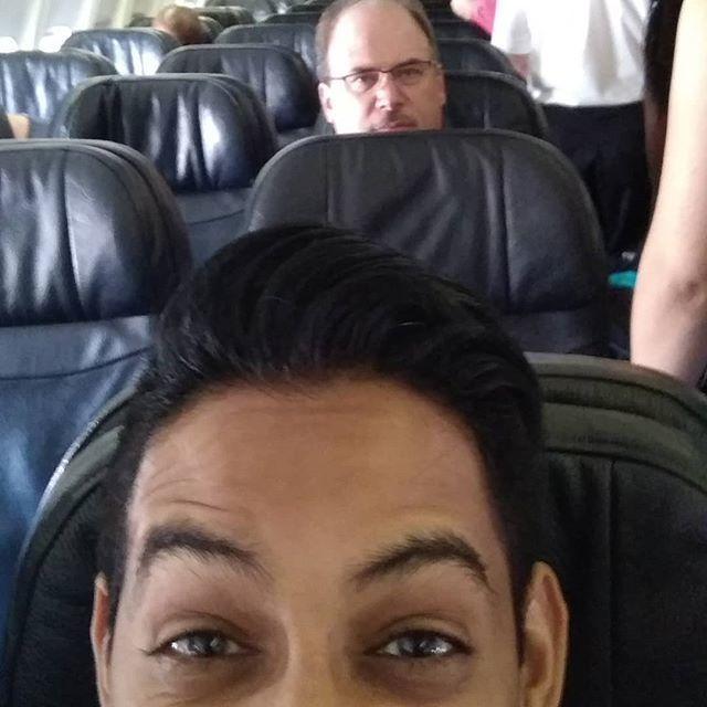 Guy behind me doesn't seem to be enjoying pre-boarding... Smell ya later Toronto! . . . . . #AZdoesVan  #traveltime #Vancouver #gratefulactor #actorslife #diversity #lifeofanactor #RepresentationMatters #ChangeTheNarrative #TorontoActor #UKactor #VancouverActor #actinglife  …