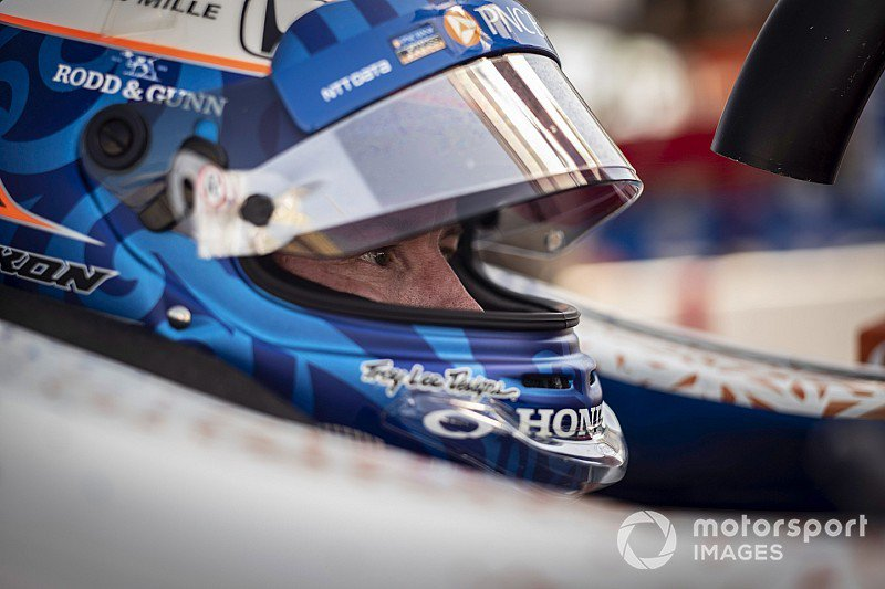 Stellar second place in the #Iowa300 but @scottdixon9 left puzzled by the bizarre handling of his car that left him a lap down in the early stages - tinyurl.com/y6yver37 @iowaspeedway @IndyCar