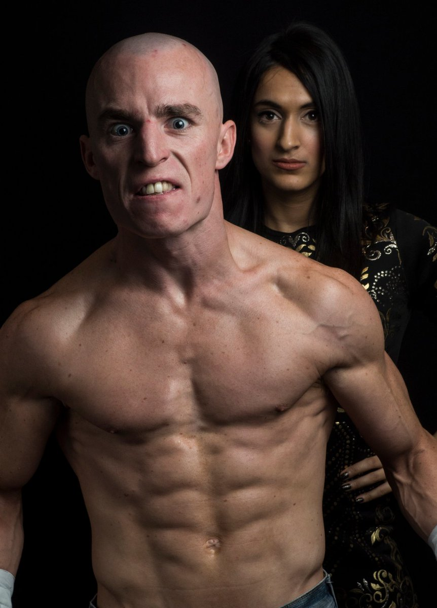 Last one.She's the only who dare do this tbf...@JinnyCouture invades @PR_WRESTLING 's picture.
