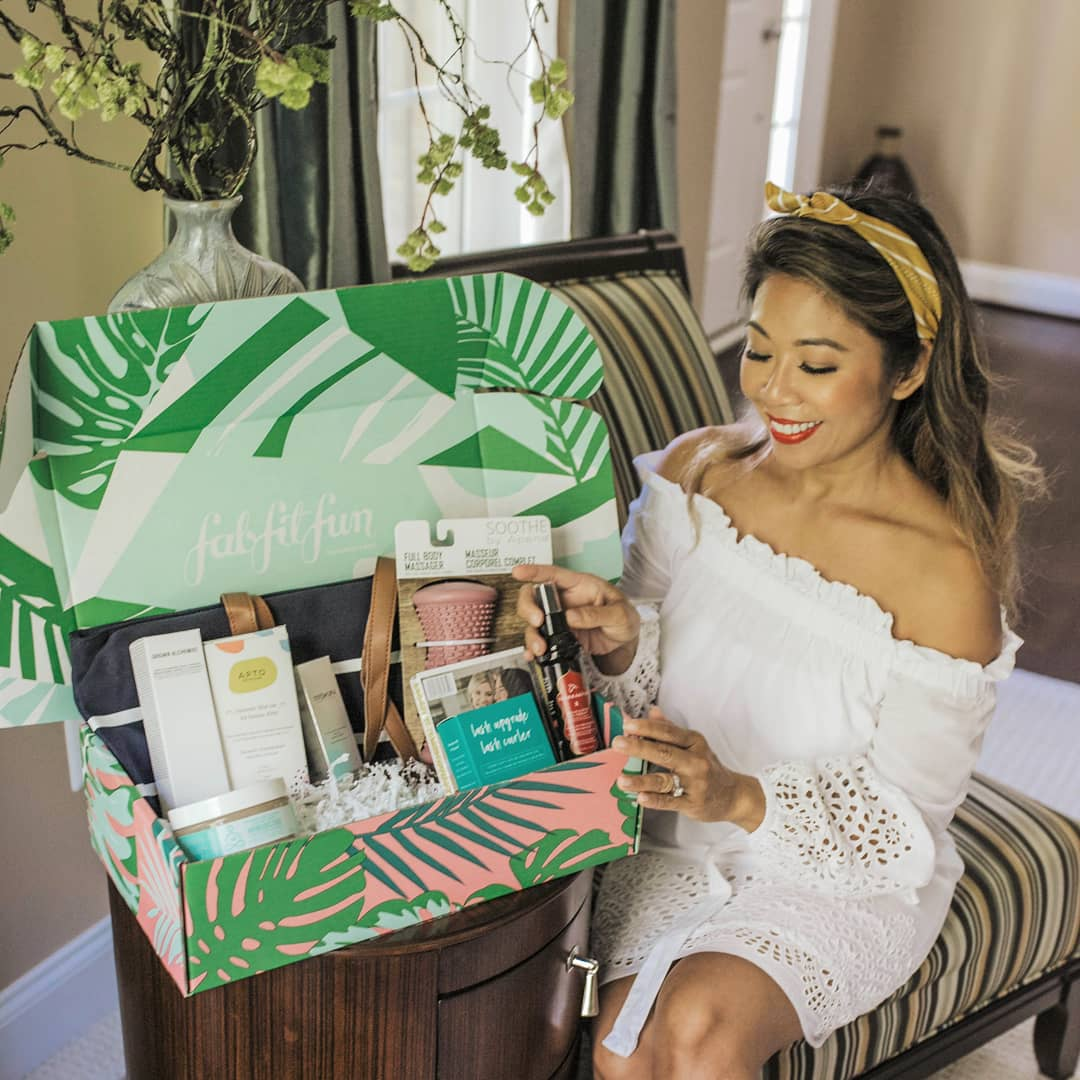@FabFitFun Summer Edition box!  Get yours for $39.99 by using code predupre at http://www.fabfitfun.com  Or here: http://bit.ly/FabFitFunPredupre …  #FabFitFunpartner #FabFitFun
