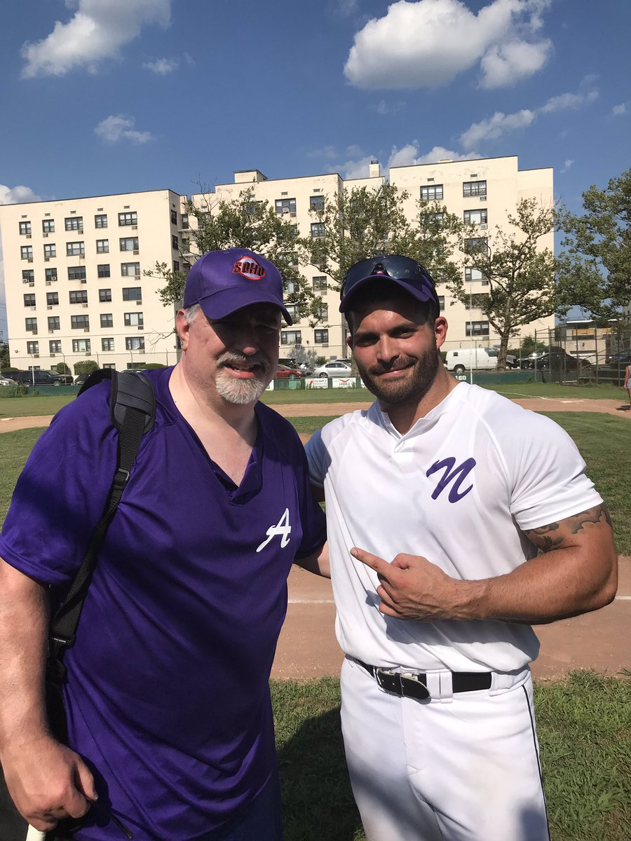 No better way to spend 100 degree New York heat than playing in a New York Sports Celeb softball game to strike out Alzheimers,  with 1/3 of the real ratings kings @DonLagreca #ESPN<br>http://pic.twitter.com/VmjOBvI0JM