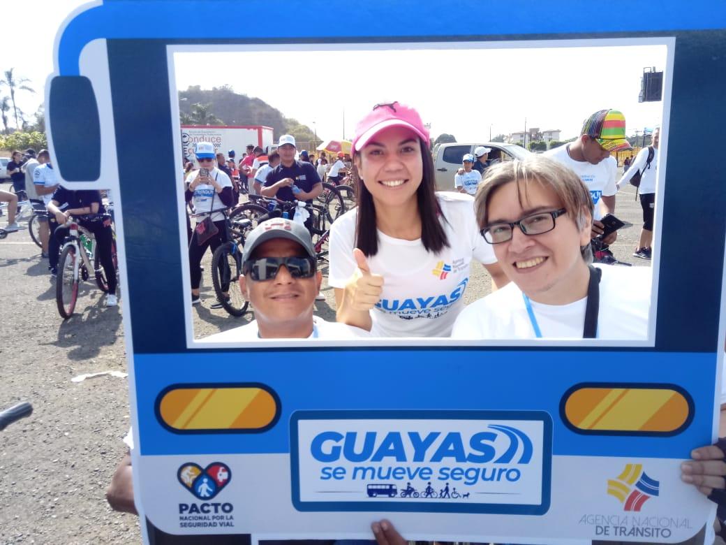 Ciclismo inclusivo, donde no hay discriminación contra nadie, todos son bienvenidos. Unidos por la seguridad vial en todo el país y el mundo. 🚵♀️  #GuayasSeMueveSeguro @ANT_ECUADOR @gabymunozoc @ATMGuayaquil @aguzmanj #Guayaquil #Ecuador