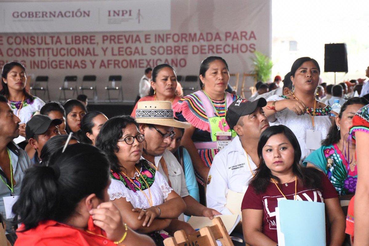 En las mesas de trabajo del foro de Ocosingo se propone:  ✔️Reconocimiento y apoyo a la educación indígena comunitaria  ✔️Garantizar el derecho de las #MujeresIndígenas a la tenencia sobre la tierra  ✔️Incluir personal hablante de lenguas indígenas en las instancias de gobierno