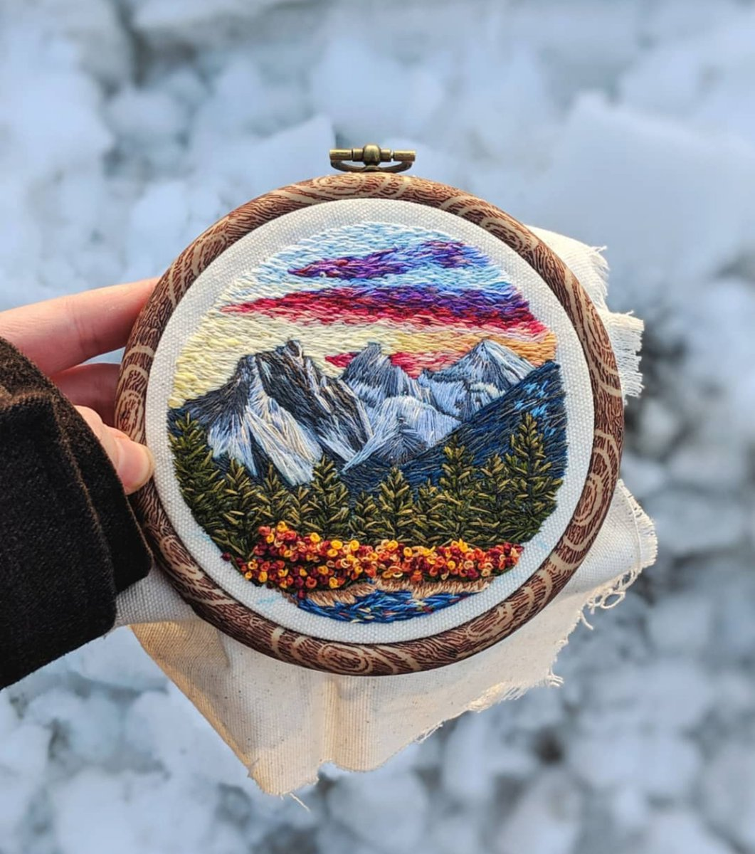 Landscape embroidery is defs one of my fave things to do. I love when people commission me to stitch the places that mean the most to them #embroidery #etsy #landscape <br>http://pic.twitter.com/KR9ThbCEjW