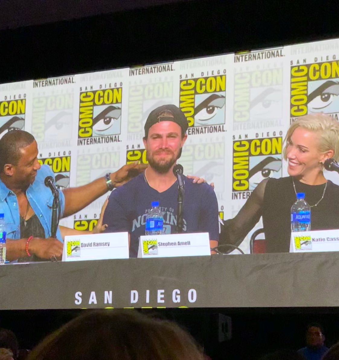 I can't stop looking at this shot & getting all teary-eyed. So glad to have been apart of #Arrow's final panel at #SDCC. @StephenAmell deserves all the love. He grew both personally & professionally taking on his first big TV role.   Nothing beats seeing genuine growth in people.<br>http://pic.twitter.com/6rYCw2A5Xs